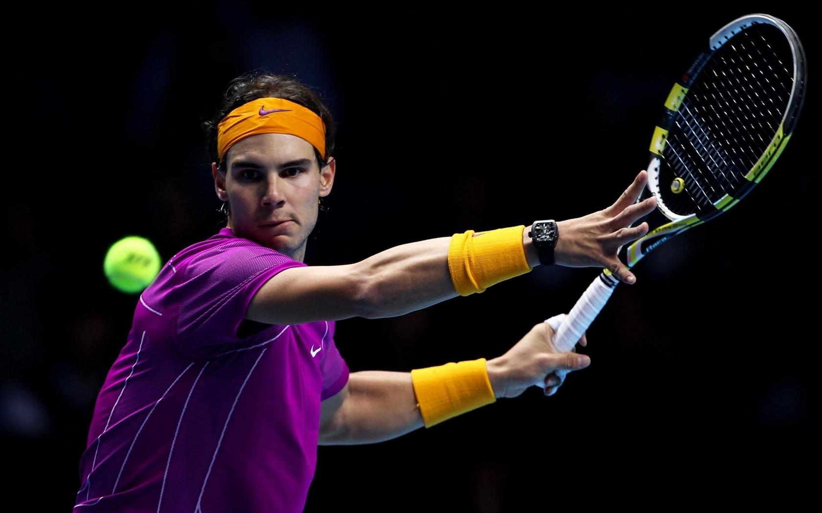 Теннисист ракетка теннисный мяч